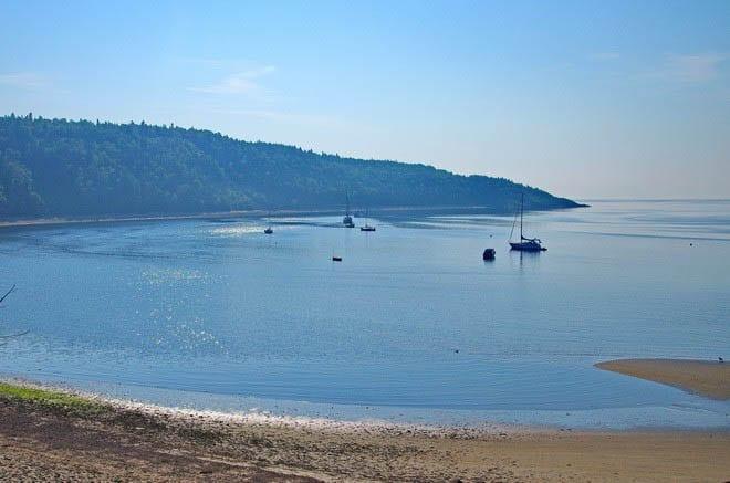 """The beach in Tadoussac"""