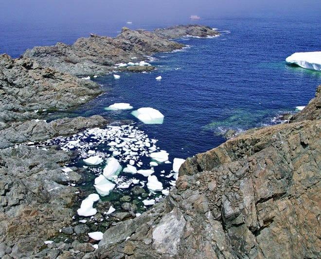 Small bits of icebergs