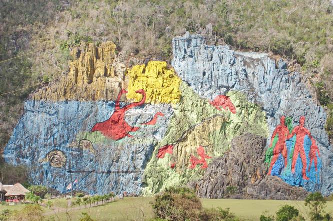 Biking around in parque nacional vinales cuba for Mural de la prehistoria