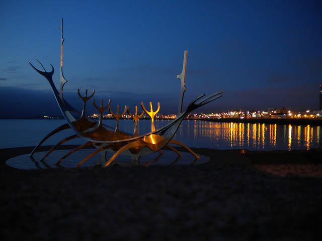 Reykjavik at night - Photo credit: Iraia Martinez on Flickr