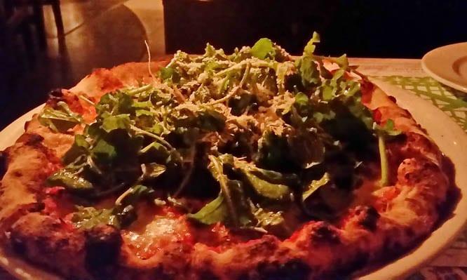 Arugula pizza - Flora Farm